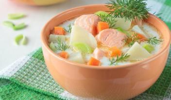 Финская кухня: очень вкусный сливочный суп с лососем