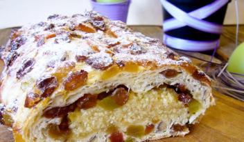 Голландский сладкий хлеб (пасхальный кулич)