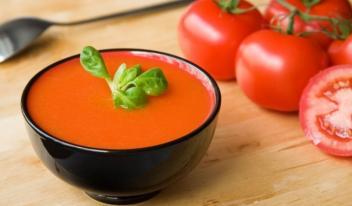 Испанская кухня: холодный суп гаспачо из свежих овощей