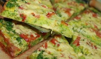 Кабачковая пицца на сковородке за 10 минут - самый простой рецепт