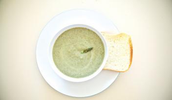 Картофельный крем-суп из белых грибов и спаржи