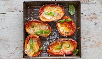 Картошка с сыром в томатном соусе за 20 минут!