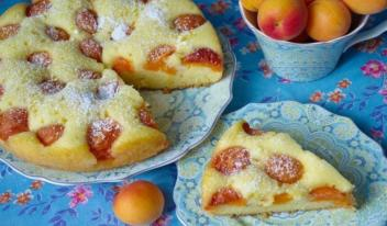 Лучший летний десерт: абрикосовый пирог за пару минут!