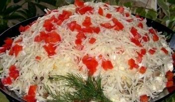Необычный яркий салат «Кучеряшка»: пошаговый рецепт