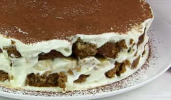 Пошаговый рецепт простого торта без выпечки из печенья