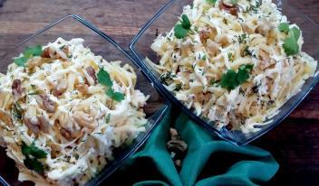 Праздничный салат с курицей, ананасами и грибами за 5 минут!