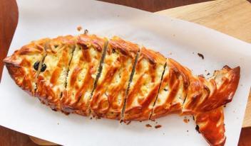Простой рецепт: пирог с рыбой и рисом