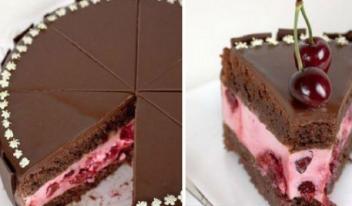 Простой рецепт: шоколадный торт с нежным вишневым кремом и ягодами
