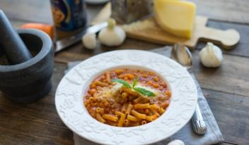 Рецепт пасты с фасолью и томатным соусом