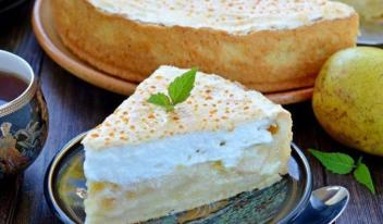 Рецепт приготовления волшебного сливочно-грушевого пирога с нежным суфле