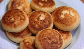 Секретный и очень простой рецепт вкуснейших домашних сырников