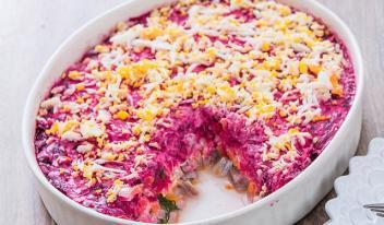 Селедка под шубой - очень вкусный праздничный салат!