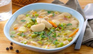 Суп с фасолью: рецепт любимой бабушки