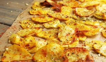 ТОП-3 рецепта: как приготовить полезные домашние чипсы