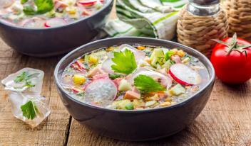 ТОП-5 рецептов холодных супов: то, что нужно жарким летом!