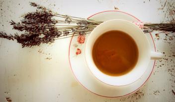 Успокаивающий чай на ночь: полезно и безопасно