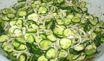 Вкуснейший домашний салат из огурцов на зиму. Идеально для ценителей остренького и пикантного!