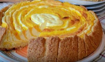 Волшебный пирог-суфле с тыквой и творожной начинкой