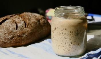 Закваска без дрожжей для вкусного домашнего хлеба