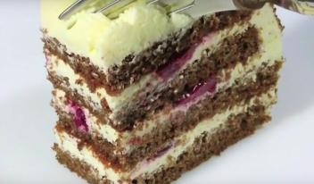 Творожный торт с вишней на скорую руку: пошаговый рецепт