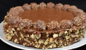 Безумно вкусный торт «Ferrero Rocher»