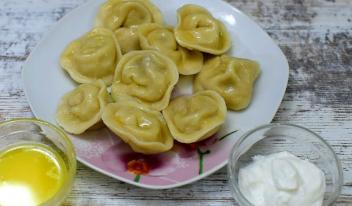 Блюдо из детства: пельмени с сырой картошкой