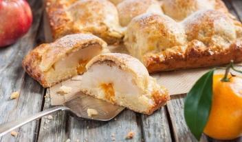 Домашний яблочный пирог из творожного теста