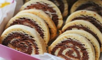 Как приготовить песочное печенье на скорую руку