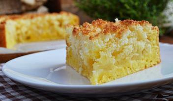 Как приготовить вкусный творожный пирог с яблоками