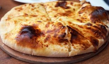 Хачапури с сыром: 10 лучших рецептов!