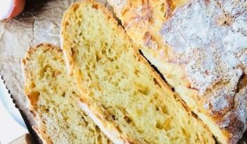 Как приготовить луковый хлеб без замеса в духовке
