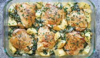 Курица с картошкой, запеченная в соусе: пошаговый рецепт
