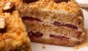 Вкусный и простой торт со сгущенкой: пошаговый рецепт