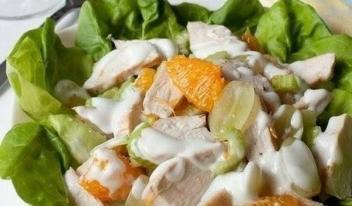 Рецепт салата из курицы с фруктами