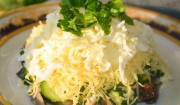 Нежный салат «Осенний» с куриной грудкой и шампиньонами