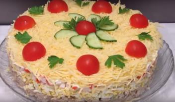 Новый праздничный салат «Нептун» с тунцом и рисом