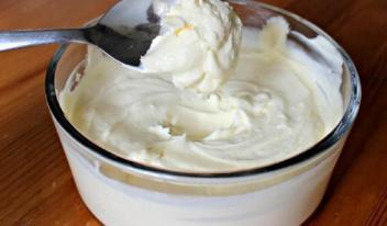 Как приготовить молочный крем для пирожных и тортов