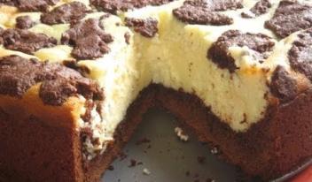 Оригинальный пирог «Буренка» с творожной начинкой