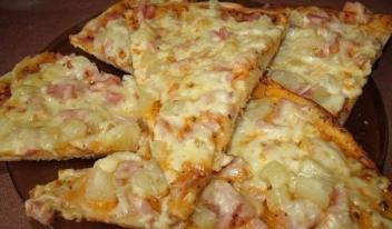 Пицца «Гавайская» по-домашнему: пошаговый рецепт