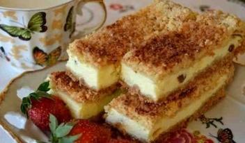 Простой и быстрый рецепт: тертый пирог с нежной творожной начинкой