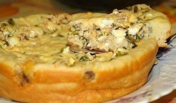 Рецепт быстрого рыбного пирога в сковороде