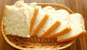 Рецепт домашнего белого хлеба в духовке на молочной сыворотке