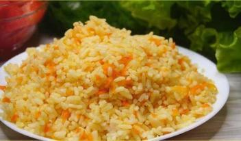 Рис с луком и морковью в духовке