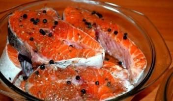 Как вкусно засолить рыбу в домашних условиях