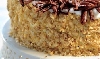Вкуснейший медовый торт «Кутузов» с орехами. Простой рецепт!