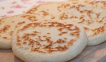 Вкусные лепешки «Базлама»: пошаговый рецепт