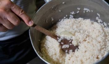 Как можно использовать рисовую крупу в быту