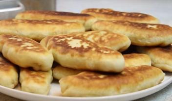 Невероятно вкусные жареные пирожки из теста на сметане