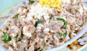 Салат «Просто, бюджетно, вкусно»