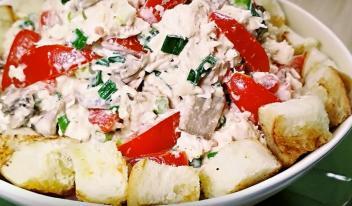Шикарный венгерский салат с курицей и грибами